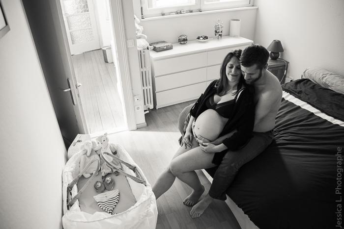 Shooting de grossesse lifestyle à domicile